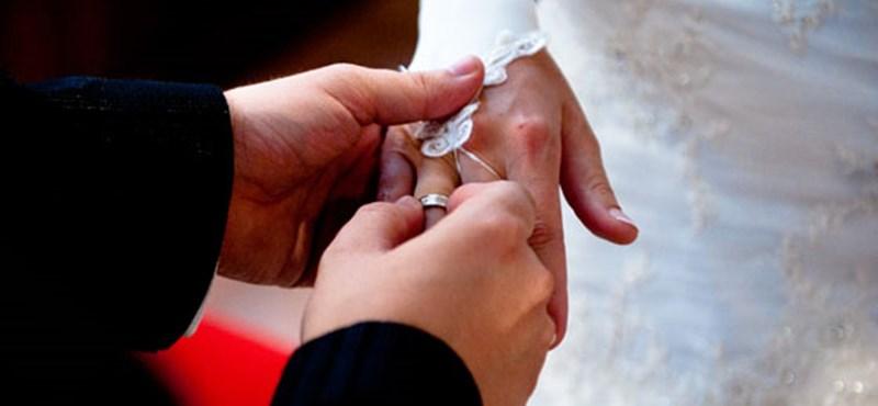 Házasság előtti kurzusokat tartatna a családtudományi társaság