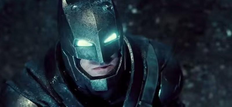 Batman kísérte oviba a kislányt, akit bántalmaztak a társai