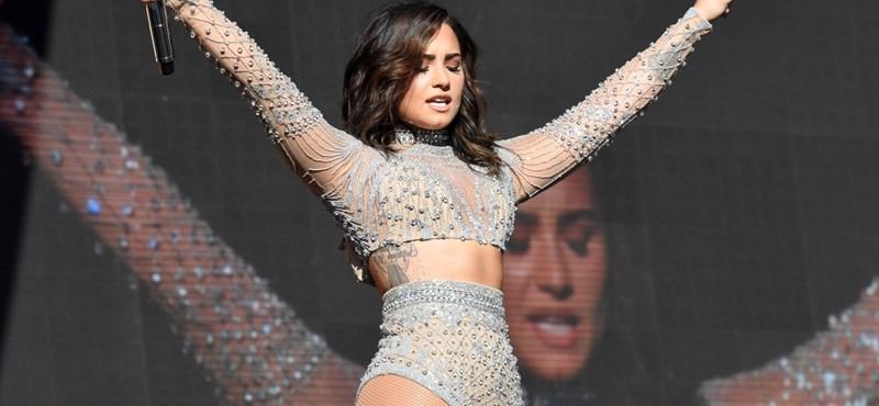Demi Lovato lemondta a turnéját a rehab miatt