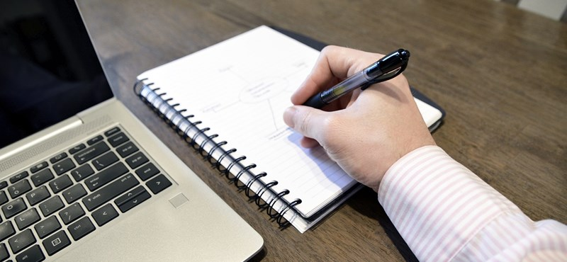 Hivatalos: kötelező a pszichológiai alkalmassági vizsga az iskolaőröknek, később is működhet távoktatás