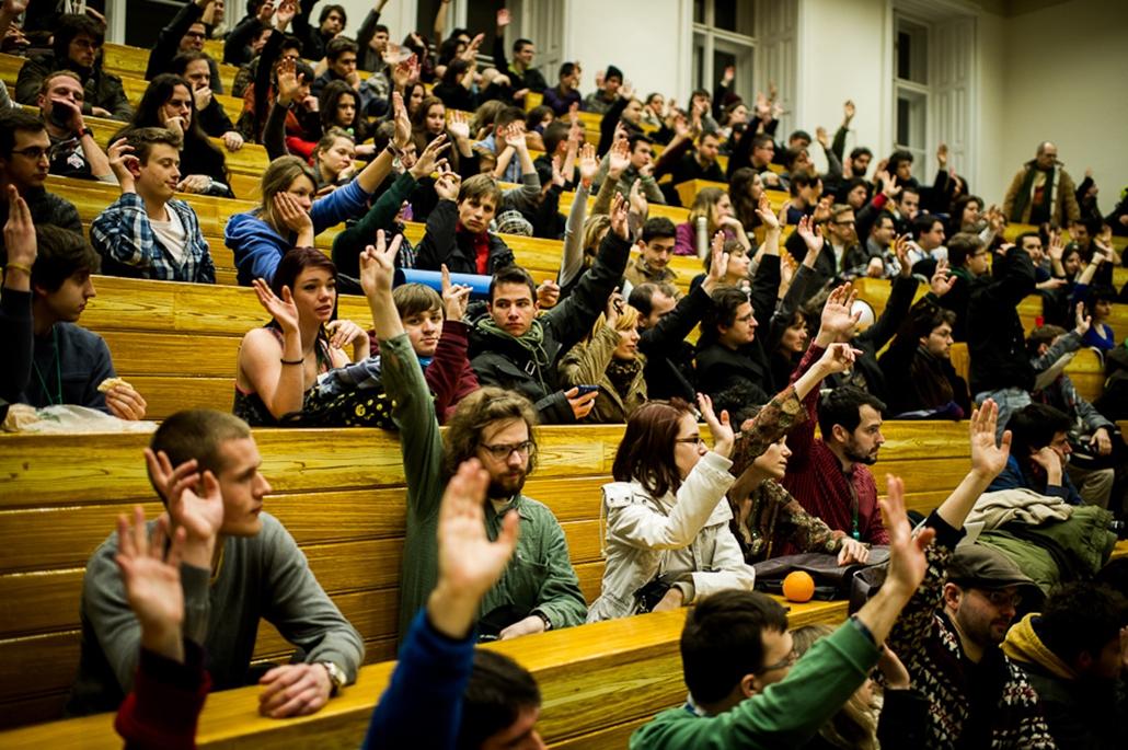 diáktüntetés, egyetemfoglalás, elte, haha, hallgatói hálózat