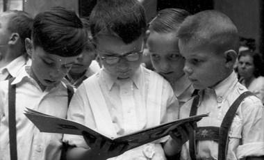 Alsós diákok szülei meséltek tapasztalataikról – hogyan oldják meg az otthoni tanulást?