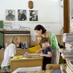 Fideszes kampány? 7 millióért osztott tanszert a kisiskolásoknak a XI. kerület