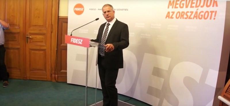 Kósa: hekkerek miatt nincs Fidesz.hu, de nemsokára újra lesz