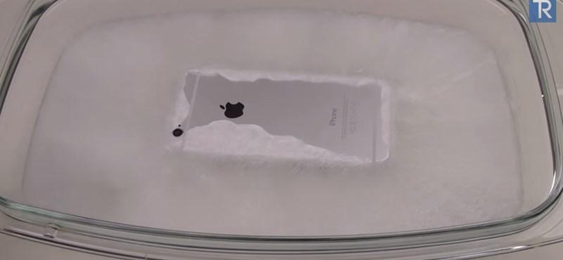 Ez történik, ha egy iPhone 6-ot forró jégbe tesznek