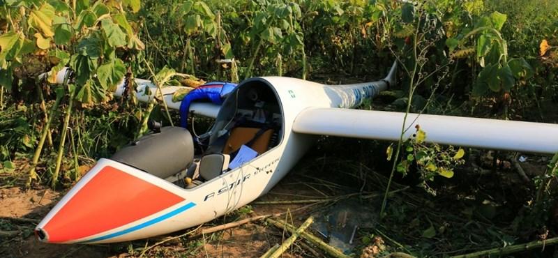 Vitorlázórepülő balesete: életveszélyesen megsérült a 72 éves pilóta