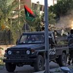 Még mindig lőnek és gyilkolnak Tripoliban