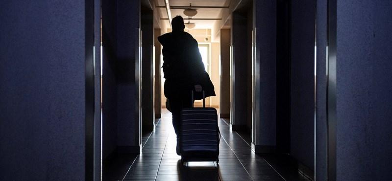 Nap képe: így költöznek haza a diákok az egyetemi kollégiumokból