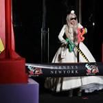 Fotók: már szopogatni is lehet Lady Gagát