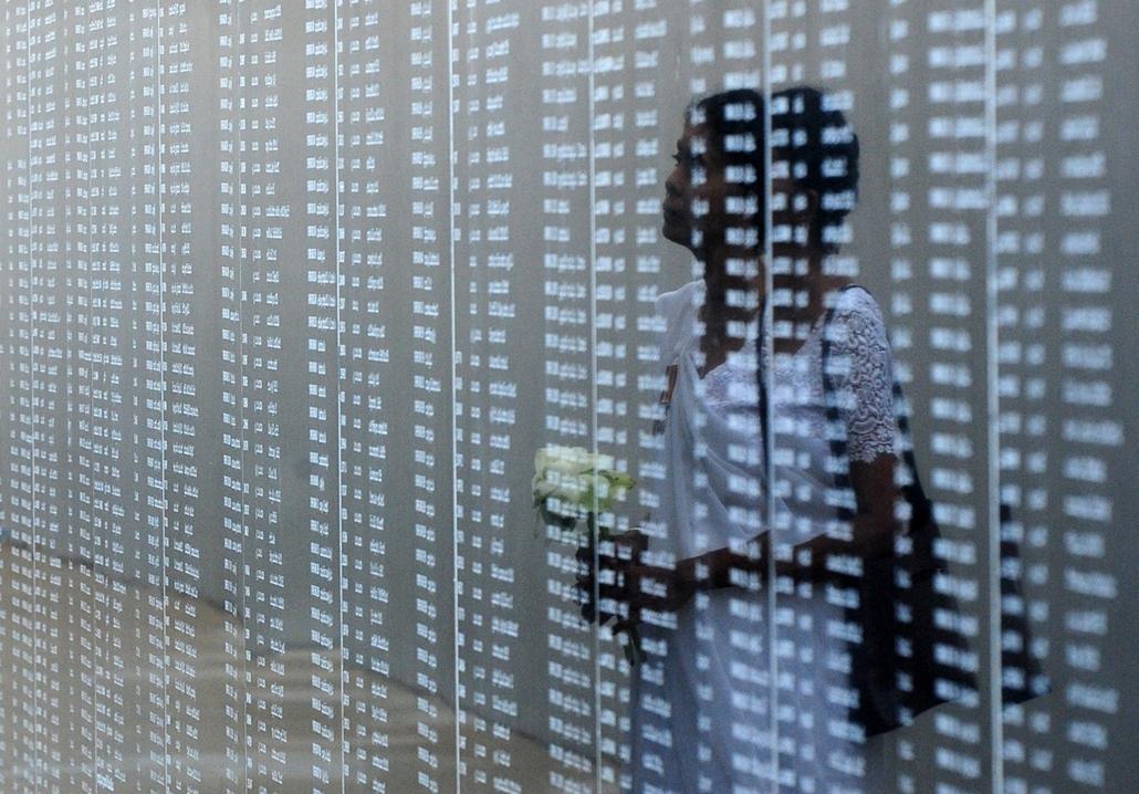 afp.15.05.20. - Colombo, Sri Lanka: megemlékezés a Srí Lanka-i polgárháború áldozataira. A colombói kormány és a Tamil Ilám Felszabadító Tigrisei (LTTE) között 1983 júliusának végén kezdődött, azután, hogy a tamil lázadók május közepén fegyverszünetet kér