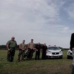 Toroczkai menekültek kényszerítésével büszkélkedik, rajongói lincshangulatban