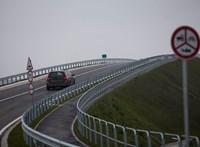 Négyes baleset az M0-on Budatéténynél, nagy a dugó