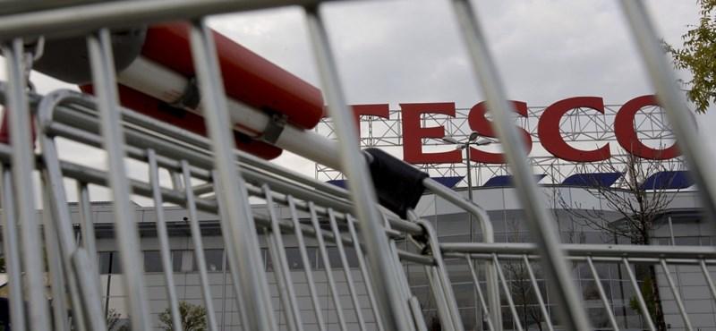 6 milliárd forintra büntették a Tesco bankját, mert nem vigyázott eléggé a pénzre