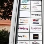 Eltűntek az Index főoldaláról a politikai tartalmú blogok, a portál nem hagyta annyiban
