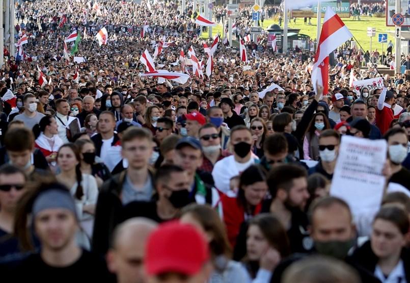 Újabb tüntetést tartottak Fehéroroszországban, Lukasenka fia már Moszkvában