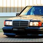 A 90-es évek elejére, a DTM hőskorába repít vissza ez az eladó Mercedes