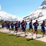 A francia válogatott a havas Alpokban készül a foci-vb-re - fotók