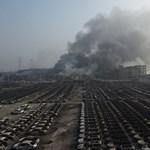 Több mint 15 ezer új autó pusztult el a tiencsini apokalipszisben