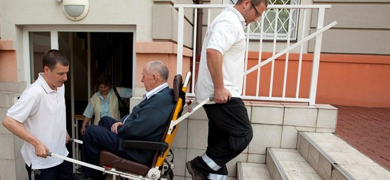 Bedőlt mentős cég: megoldották a betegszállítást Csongrád megyében