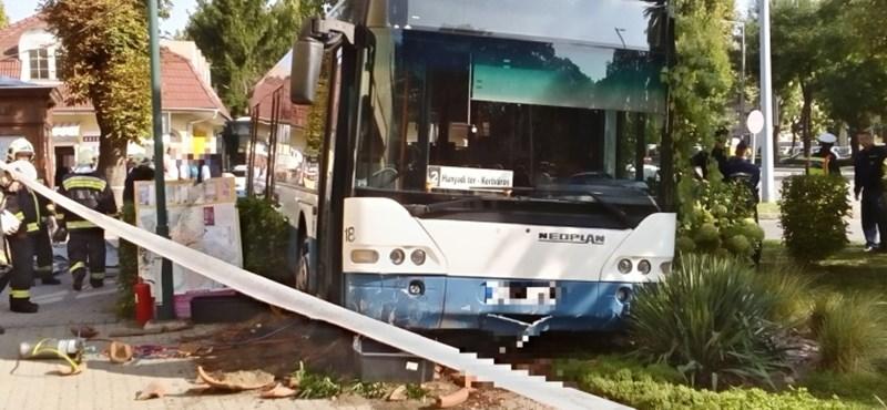 Megrázó fotó a dombóvári buszbalesetről