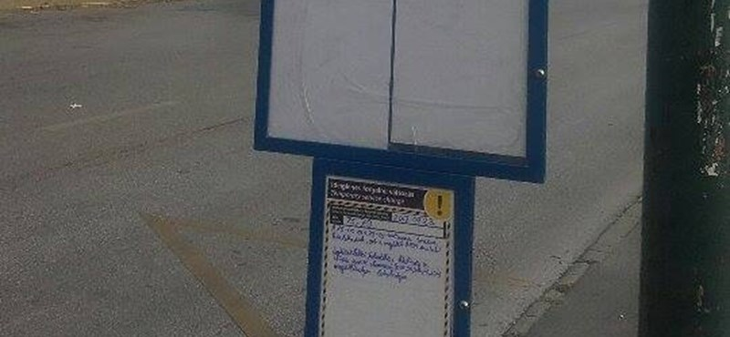 Megtaláltuk Budapest legkínosabb buszmegállótábláját – fotó