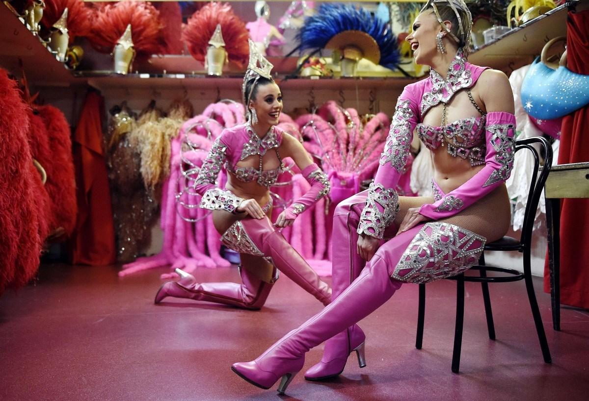 Ha a Moulin Rouge táncosai csak egyetlen ruhadarabot hordanának... – Nagyítás-fotógaléria
