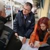 Talpig Néppártba öltözve gyűjt aláírást a Fidesz