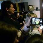 Német diplomaták vigyáznak Szvetlana Alekszijevics Nobel-díjas írónőre