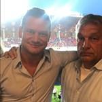 A napbarnított Orbánnal nyomott közös fotót Felcsúton a Videoton volt játékosa – fotó