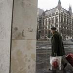 A kormány másra próbálja kenni az özvegyi nyugdíj csökkentését