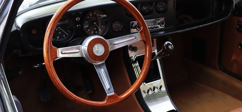 Nagyon ritka Alfa Romeo Zagato sportkocsiban ültünk, és körbe is fotóztuk