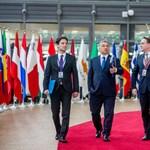 Két tűz közé kerülhet Várhelyi Olivér, ha EU-biztos akar lenni