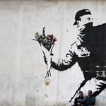 Nem bírja tovább a férfi, akinek garázsán feltűnt Banksy legújabb műve