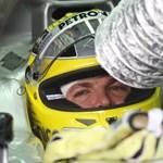 Nico Rosberg volt a leggyorsabb, Kvjat összetörte a Red Bullt Japánban