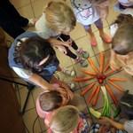 A finnyás gyerekeken segíthet a tudomány, hogy megegyék az egészséges ételeket
