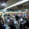 Levonult a metróba az Operaház zenekara, és adott egy koncertet