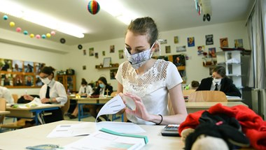 Szeptembertől katolikus szemléletű történelem- és irodalomkönyvet is választhatnak az iskolák