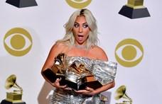 Döbbenetes hibával készült el Lady Gaga új tetoválása