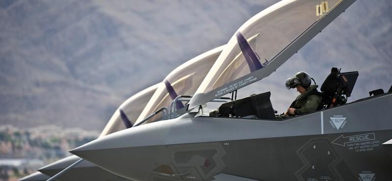 Itt és így gyakorolnak az F-35-ös vadászgépek pilótái – videó