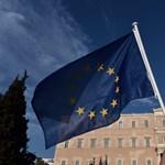 Tüntetők törtek be a görög parlamentbe két fiatal miatt