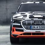 Videó: Csak az abroncsa visít az Audi teljesen elektromos SUV-jának