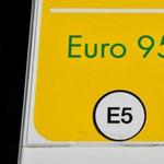 Tovább csökken a benzin ára
