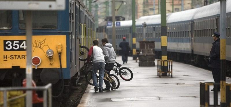 Sztrájkot hirdetett az utasellátó megnyirbálása miatt a vasutas szakszervezet