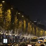 Fotók: Így néz ki Párizsban a karácsonyi díszkivilágítás