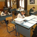 Több mint száz tanár kerül utcára szeptembertől Pécsen