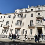 Igazi rémálom útlevelet igényelni a londoni magyar nagykövetségen