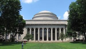 Európai képzési központot nyit a Debreceni Egyetemen a világhírű MIT