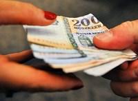 321 ezer forintra mérték a magyar átlagfizetést