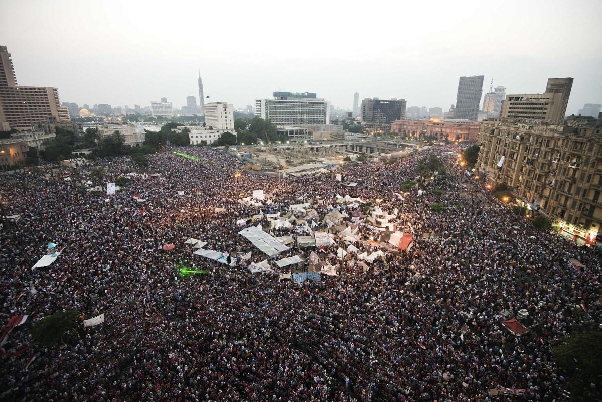 Fotók: százezrek a Tahrír téren - megbuktatták az egyiptomi elnököt