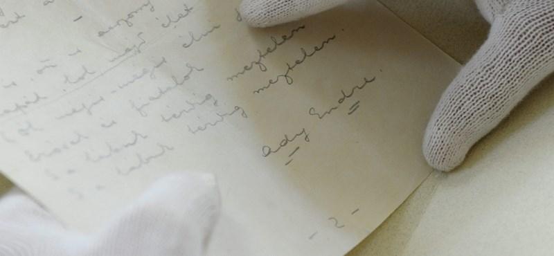Vegyen Esterházy-kéziratot! Mással is jót tesz